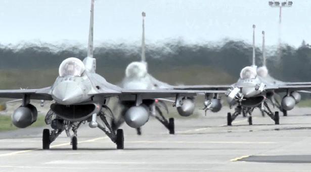 এফ-১৬ যুদ্ধবিমান কিনছে তাইওয়ান