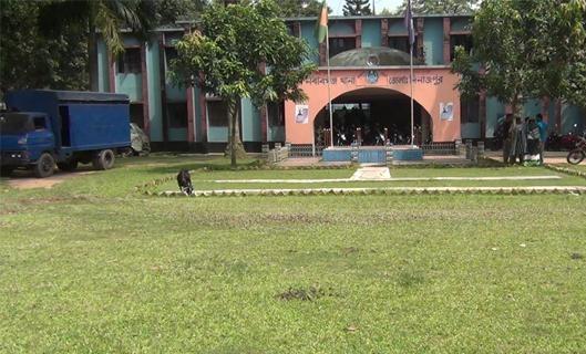 নবাবগঞ্জে আম বাগানে মিলল বৃদ্ধার লাশ