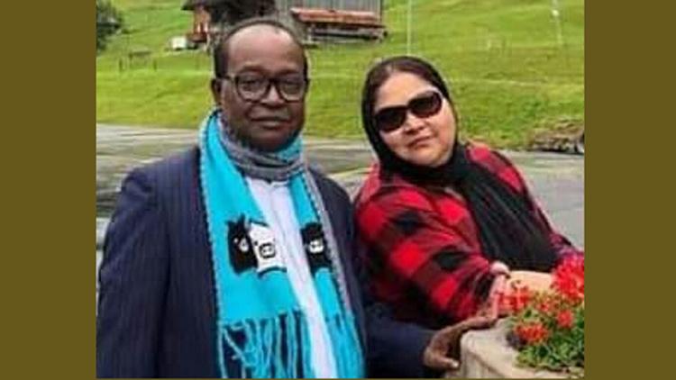 এমপি একাব্বর হোসেন ও তার স্ত্রী